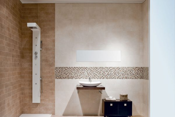 Cloud Marfil & Cloud Vision line tiles in a functional, modern wetroom